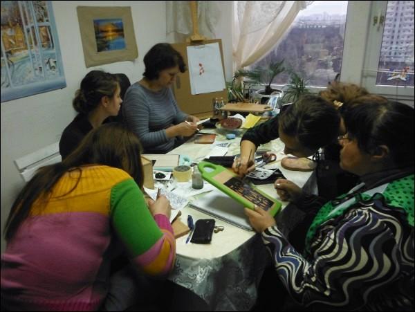 Занятия на курсах дизайна и реставрации мебели